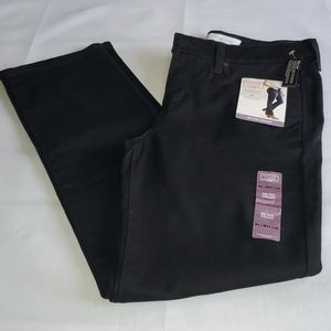 NWT - Levi's Mid Rise Straight Jeans